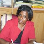 Die Heimleiterin Agnes Nabawanga