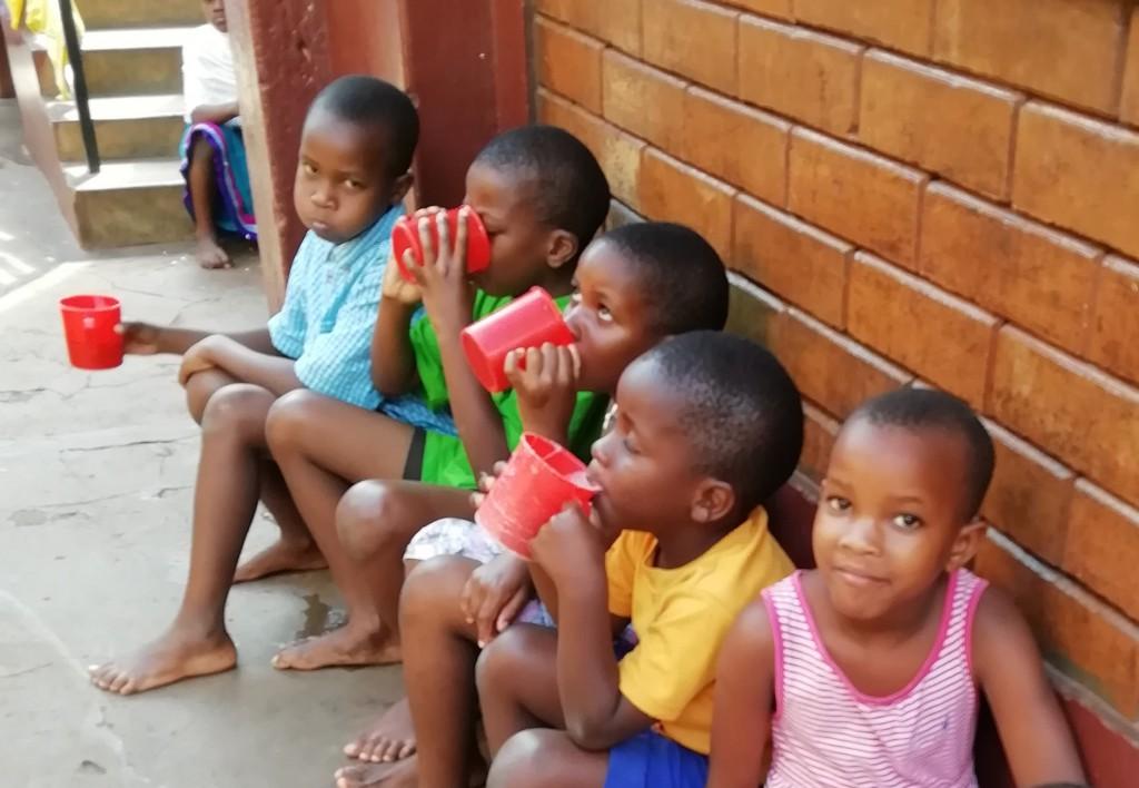 Frühstück im Kinderheim 2