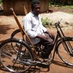 Krücken sind schon ein Luxus, und erst recht ein Tricycle